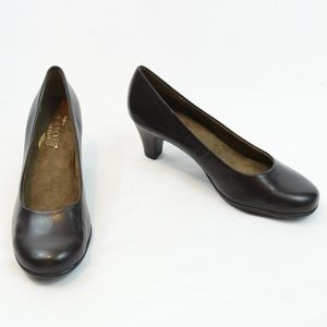 Aerosoles Heel Rest Pumps NWOT